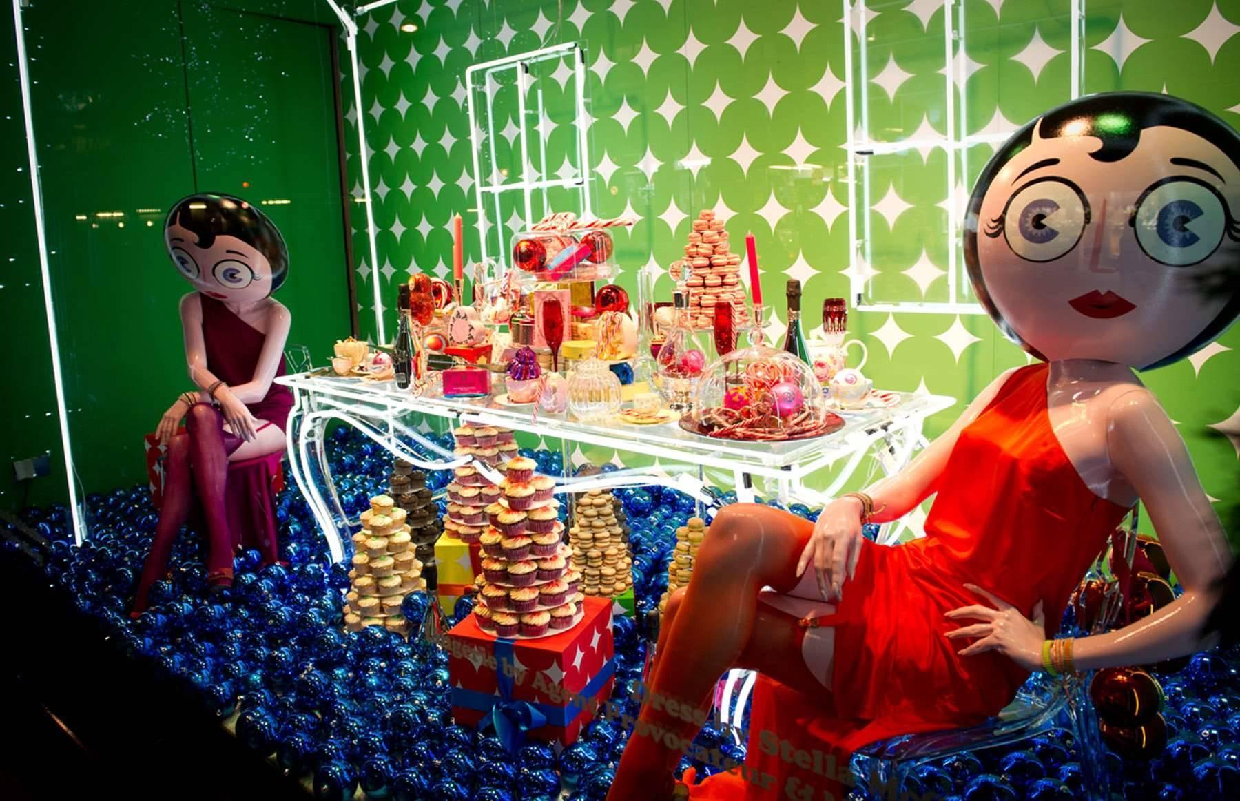 Beautiful bold breathtaking 19 eye catching christmas for Weihnachtliche schaufenstergestaltung