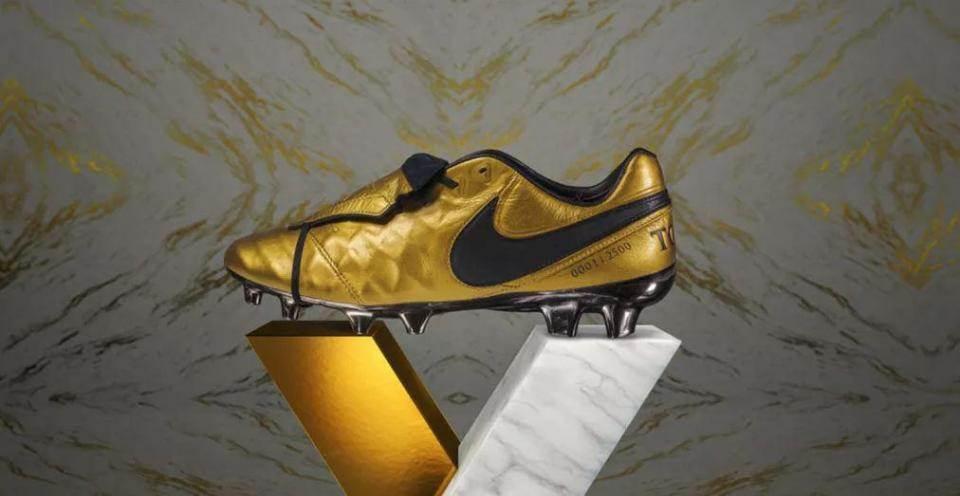 promo code cc8cb a3262 Gallery: Nike's tribute to Francesco Totti - Boots - FTBL Life