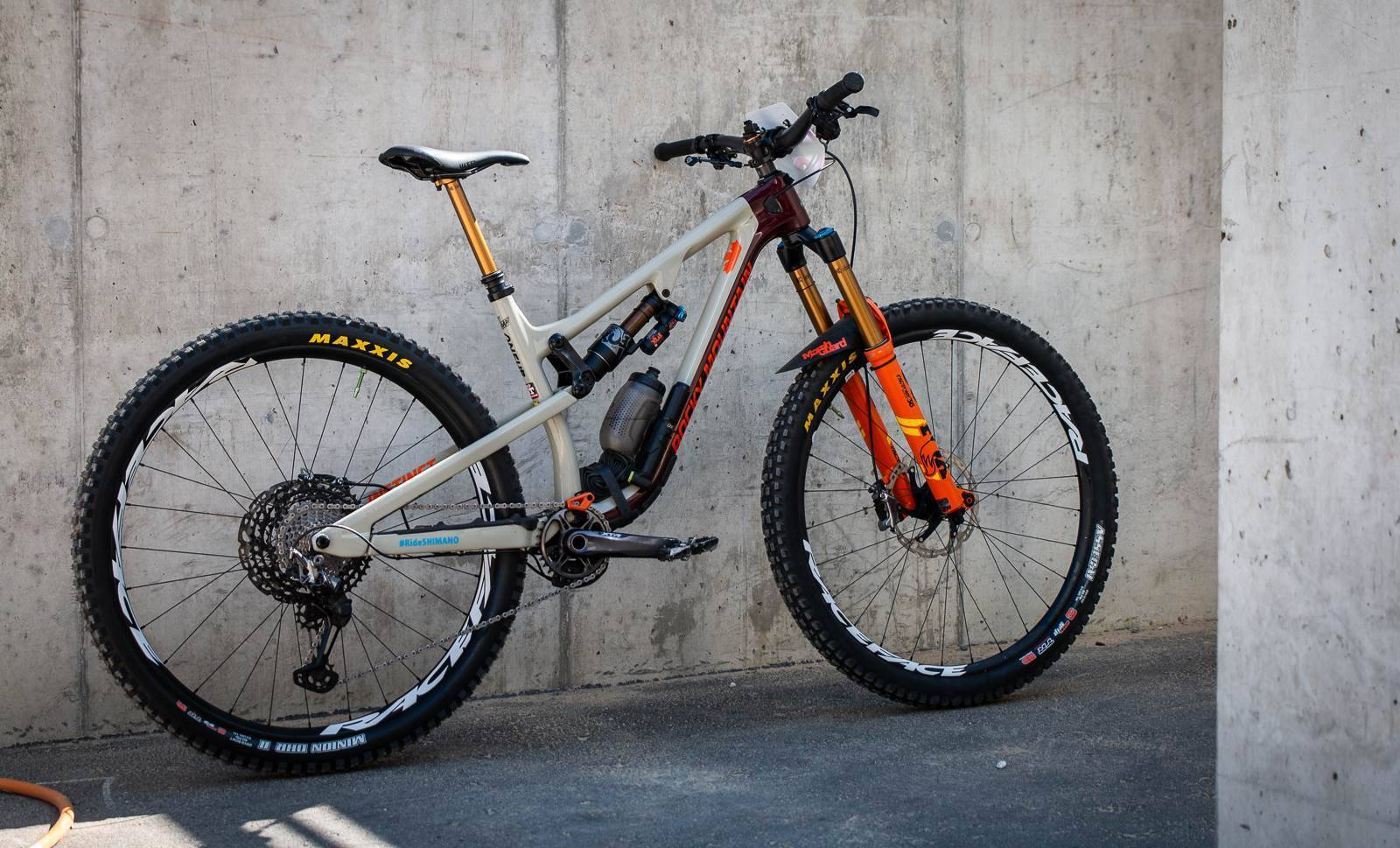 Bike Check: Andreane Lanthier Nadeau's Rocky Mountain Instinct