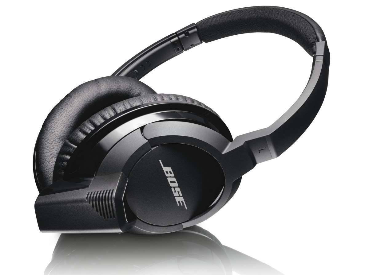bose goes wireless with ae2w bluetooth headphones audio stuff pc tech authority. Black Bedroom Furniture Sets. Home Design Ideas