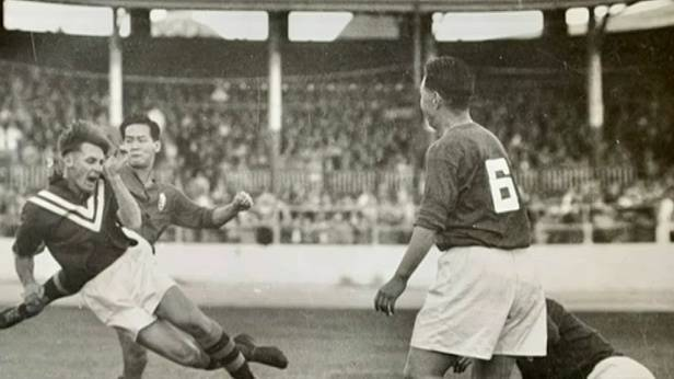 One of the oldest living Socceroos talks football in the 1930s