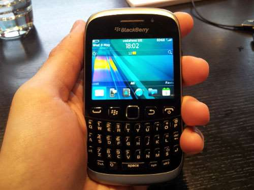 one the how much is the blackberry curve 9320 experiencing horrible