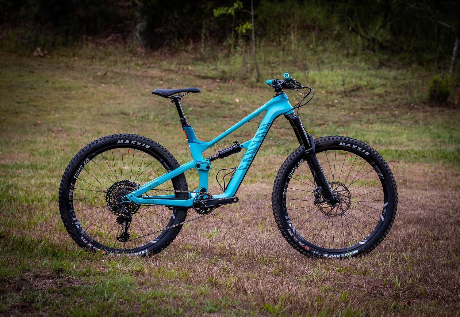 FIRST LOOK: Canyon Spectral WMN CF 8.0