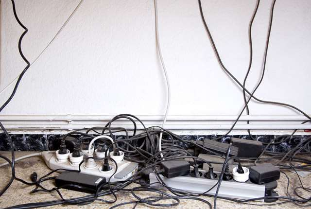 How To Get That Bird U0026 39 S Nest Of Office Cables Under Control