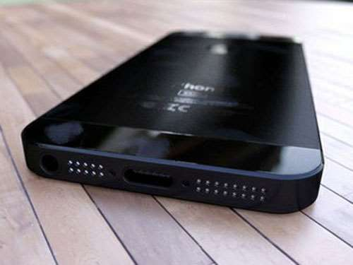 iphone-5-leak-bottom