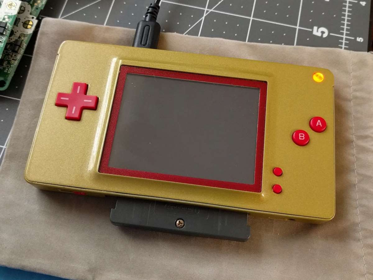 turn your nintendo ds into a game boy macro with this clever mod hyper pc tech authority. Black Bedroom Furniture Sets. Home Design Ideas