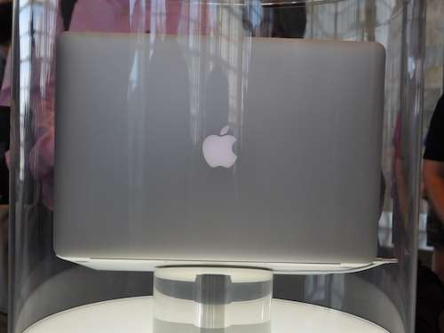 retina display macbook pro 2012 first look photos Apple WWDC