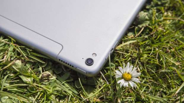 Apple iPad Pro 9.7 camera