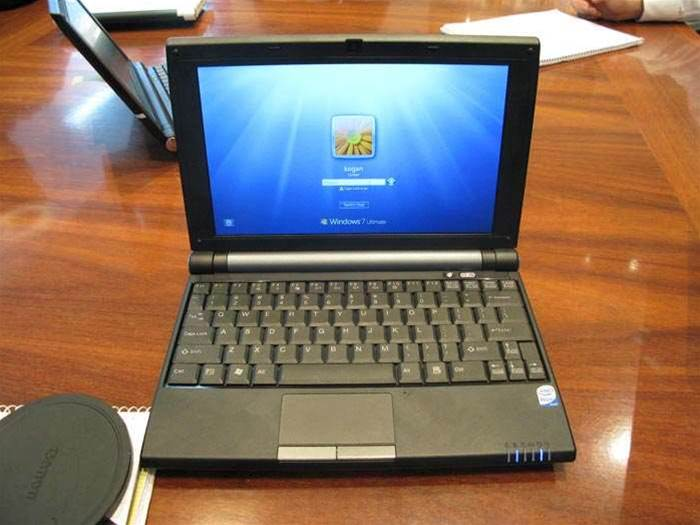 Review: First Look: Kogan Agora Netbook, a super-cheap Wind lookalike
