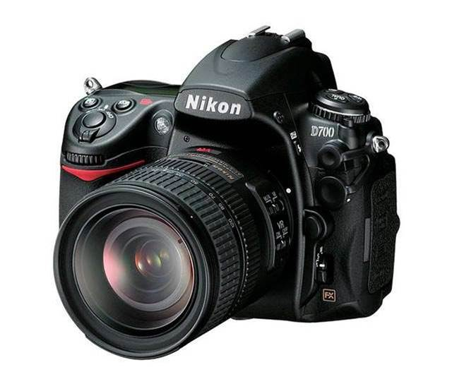 Nikon D700, drool-worthy full frame DSLR