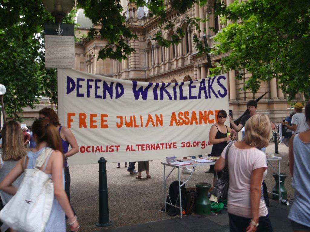 Sydney WikiLeaks rally attracts hundreds