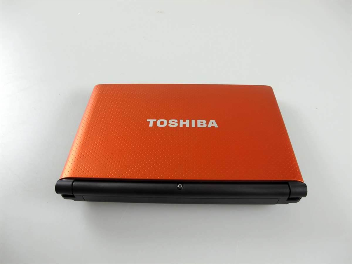 Toshiba NB550D in pictures