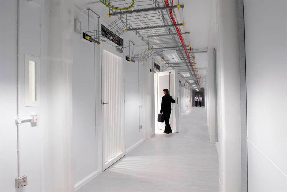 Being that it was quite dark in the cold zone, Metronode supplied us this picture. You can see that the cold aisle provides secure access to each of the 15m x 4m blade rooms.