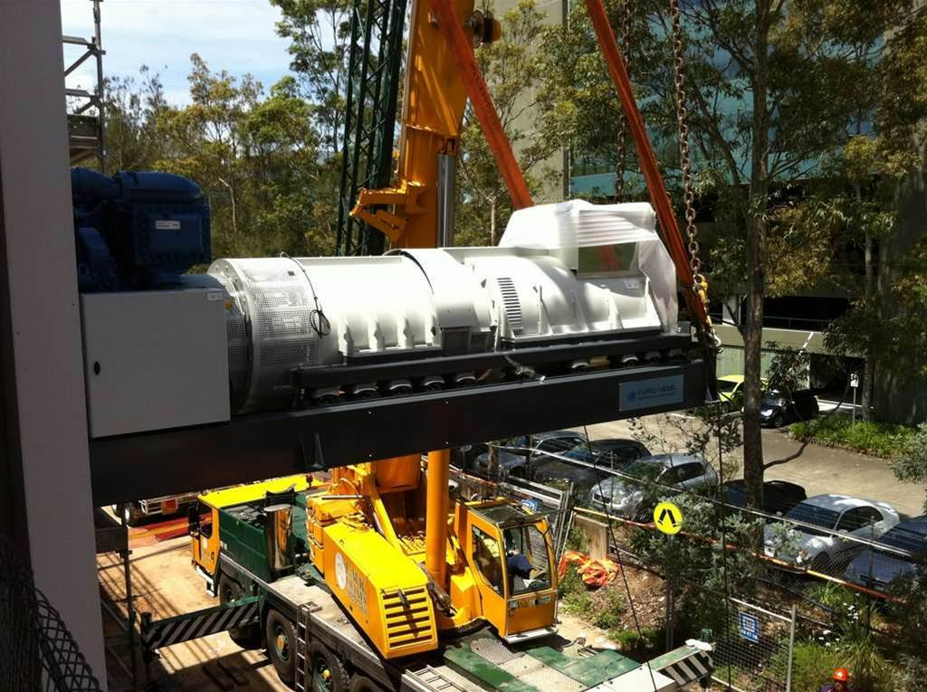 The DRUPS unit, made by Eurodiesel, is lifted into place. <p>Credit: Macquarie Telecom</p>