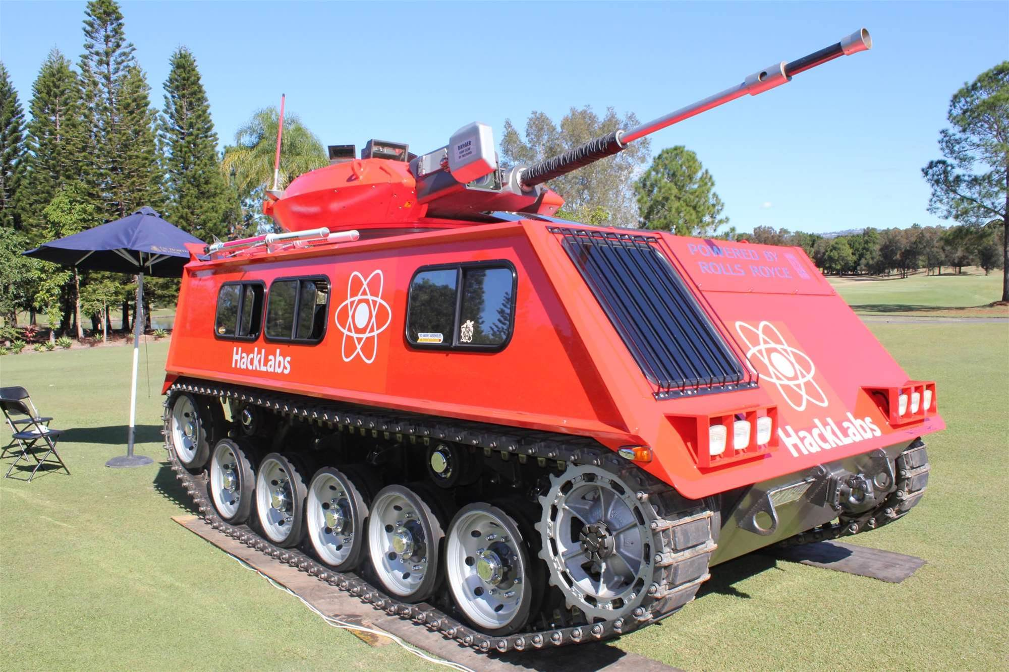 The M113 tank parked at AusCERT. Hacklabs hired the vehicle to promote its red team penetration testing.