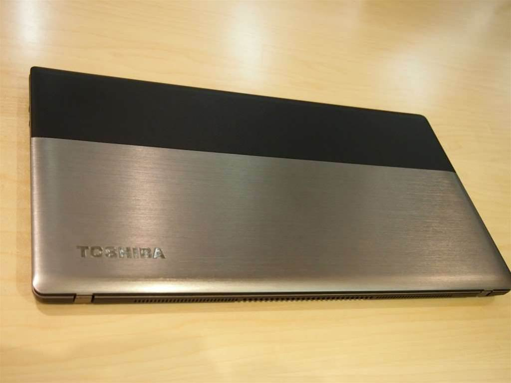 Toshiba's new Satellite ultrabook comes with a two-tone metallic chassis with brushed metal and aluminium.