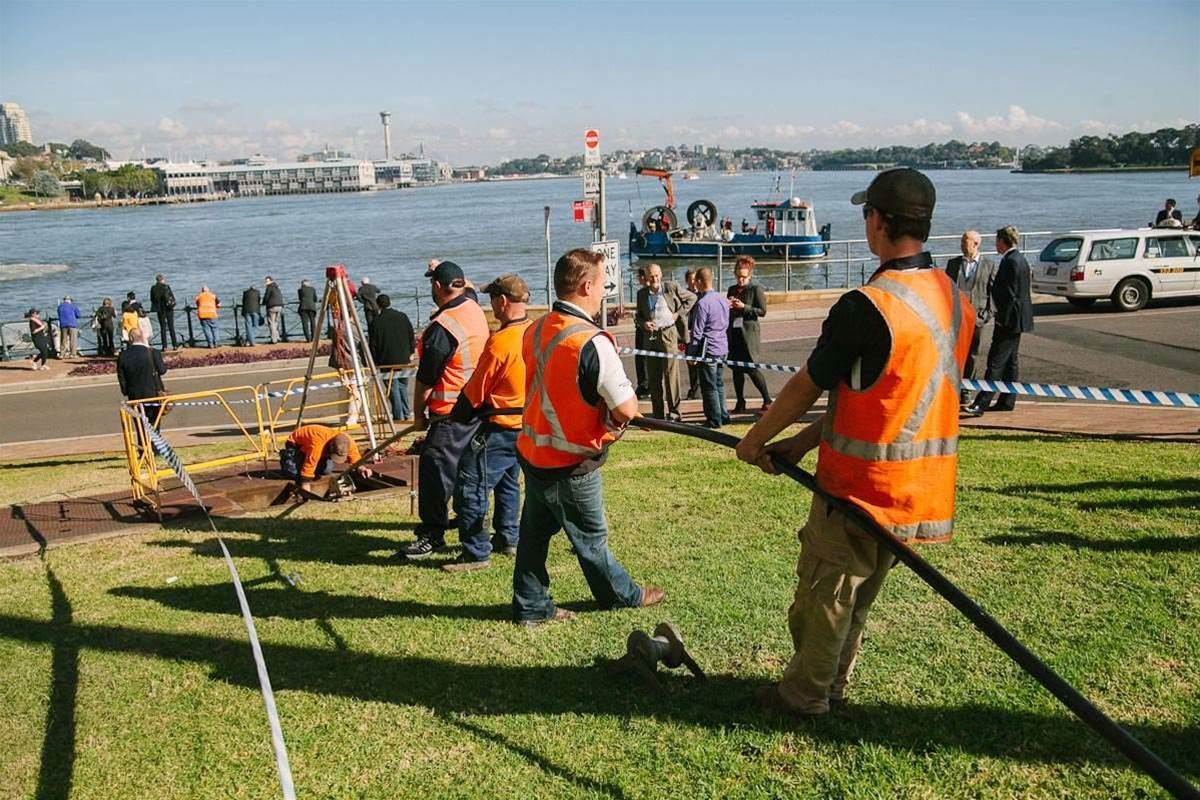 Vocus invited customers, partners and press to Milsons Point, to witness the final stage of the Harbour-crossing operation.