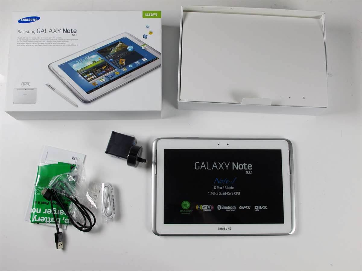 When it comes to accessories, the Samsung Galaxy Note 10.1 comes with absolute basics: you get a USB cable with AC power adapter and a quick start manual.