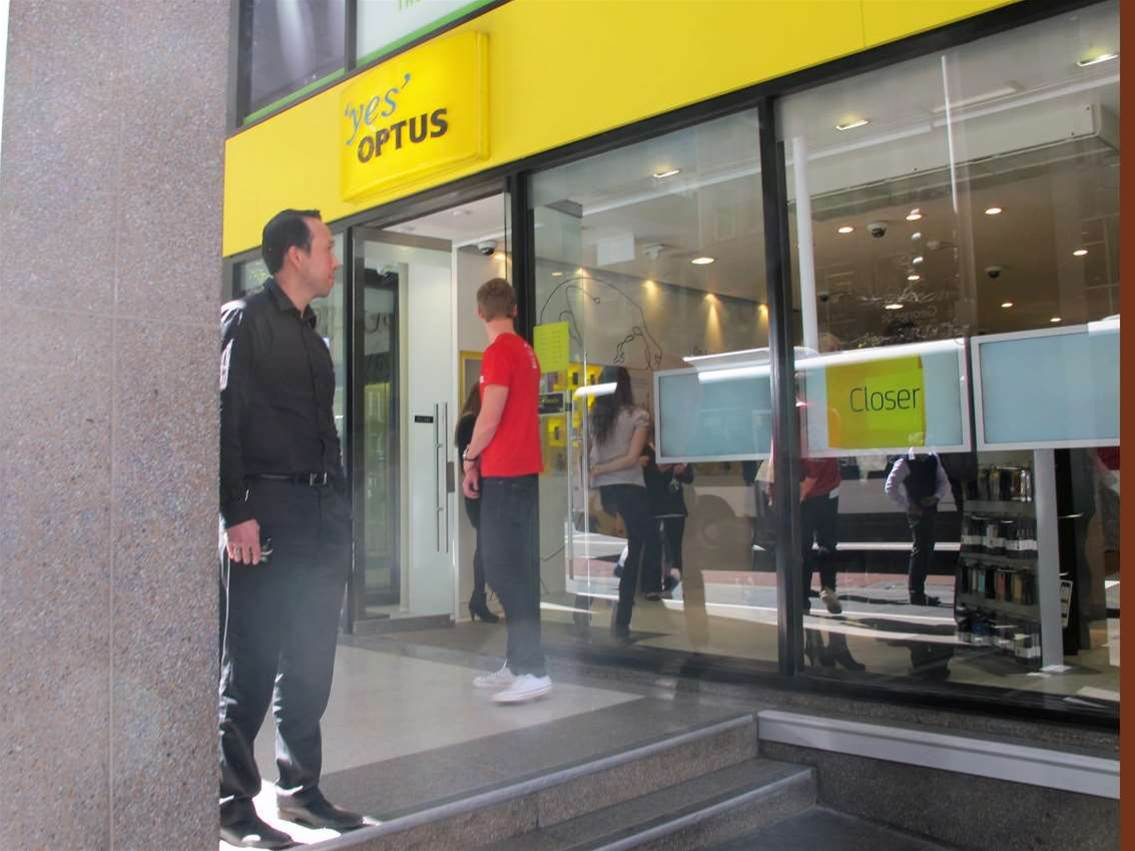 Optus launched its first consumer 4G services at its flagship Sydney store on George Street. The telco also introduced the 4G Galaxy S III smartphone in partnership with Samsung.