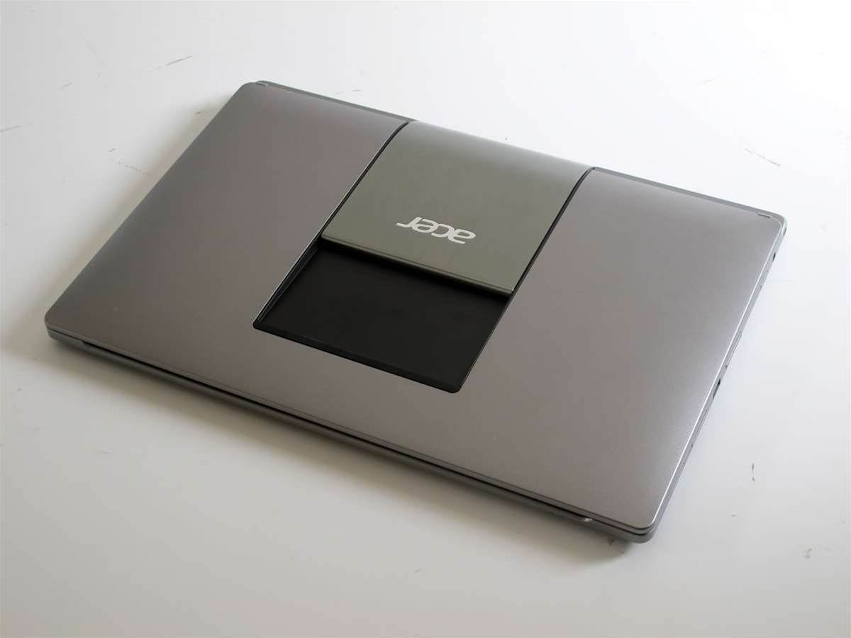 First Look: Acer R7