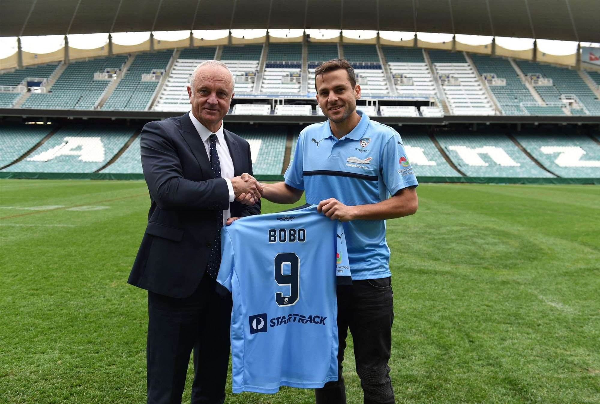 Bobo signs on at Sydney