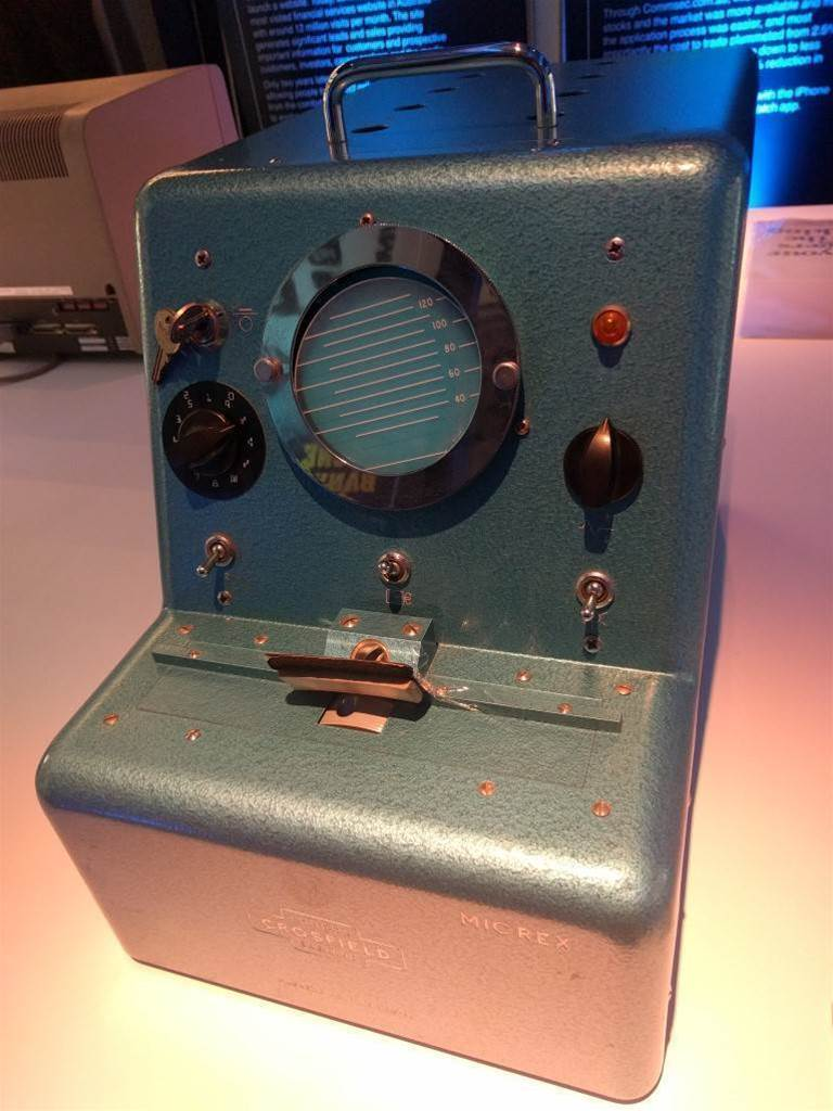 Photos: The tech that used to run the Commonwealth Bank