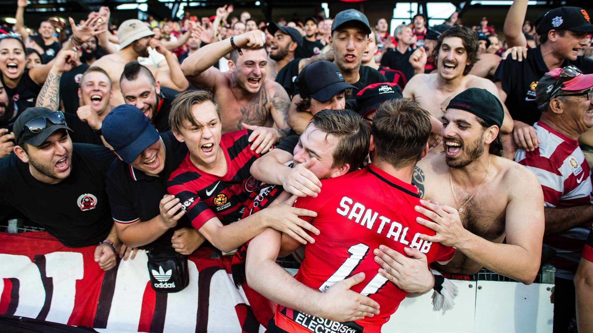 Wanderers: Fans pic special