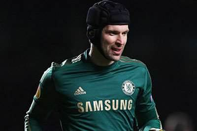 Cech rubbishes Arsenal link