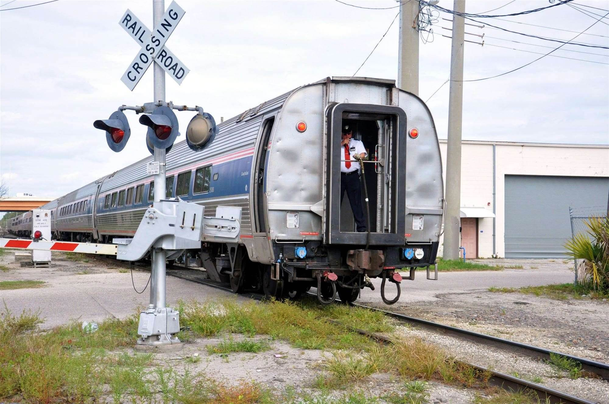 Soon, Your Phone Could Warn You If You're Approaching Railroad Tracks