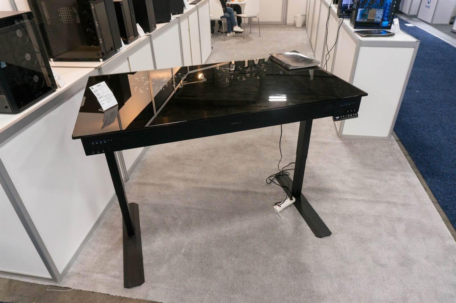 Lian Li unveils DK-05 dual-PC standing desk