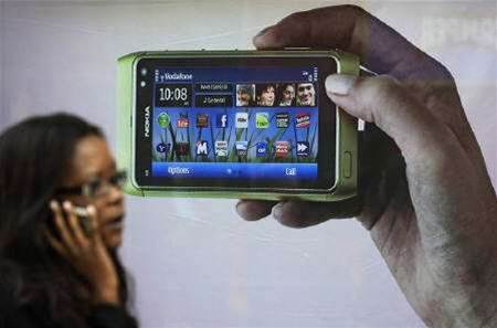 Nokia warns of power problems in N8 smartphones