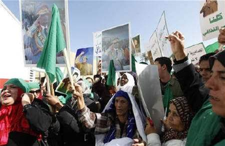 Libya cuts off Internet service