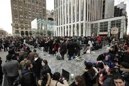 Big crowds greet Apple's iPad 2