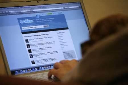 Twitter seeks to buy TweetDeck