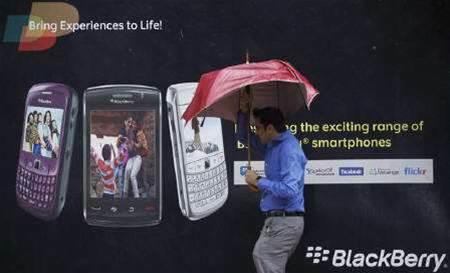 Analysis: BlackBerry under attack in corporate cradle