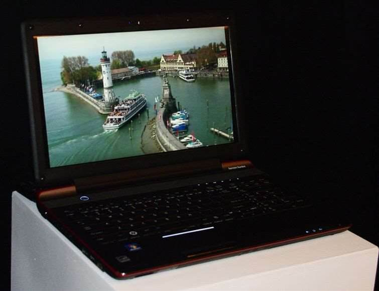 Toshiba reveals world's first glasses-free 3D laptop