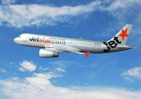 Jetstar gives workers $1650 for BYO tech