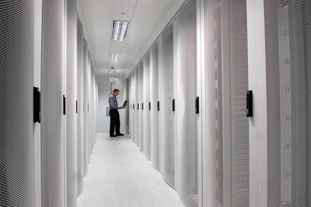 Data closets trump co-lo in data centre space