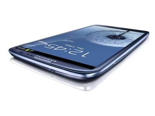 Samsung Galaxy S3 launches