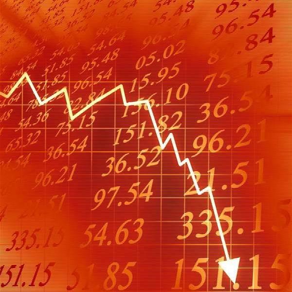 Tech vendor shares crash over spending uncertainty