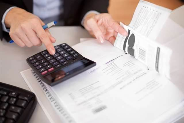 Do you ever delay payments to suppliers when cash is low?