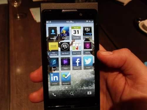 BlackBerry quits Pakistan over govt surveillance demands