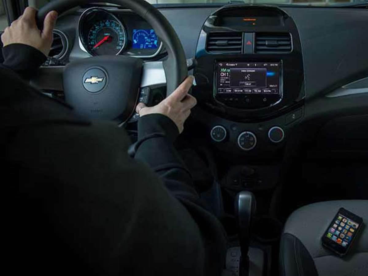 Siri turns your car into Knight Rider's KITT