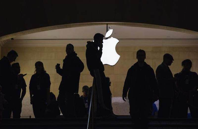 Tech companies unite behind Apple ahead of iPhone encryption ruling