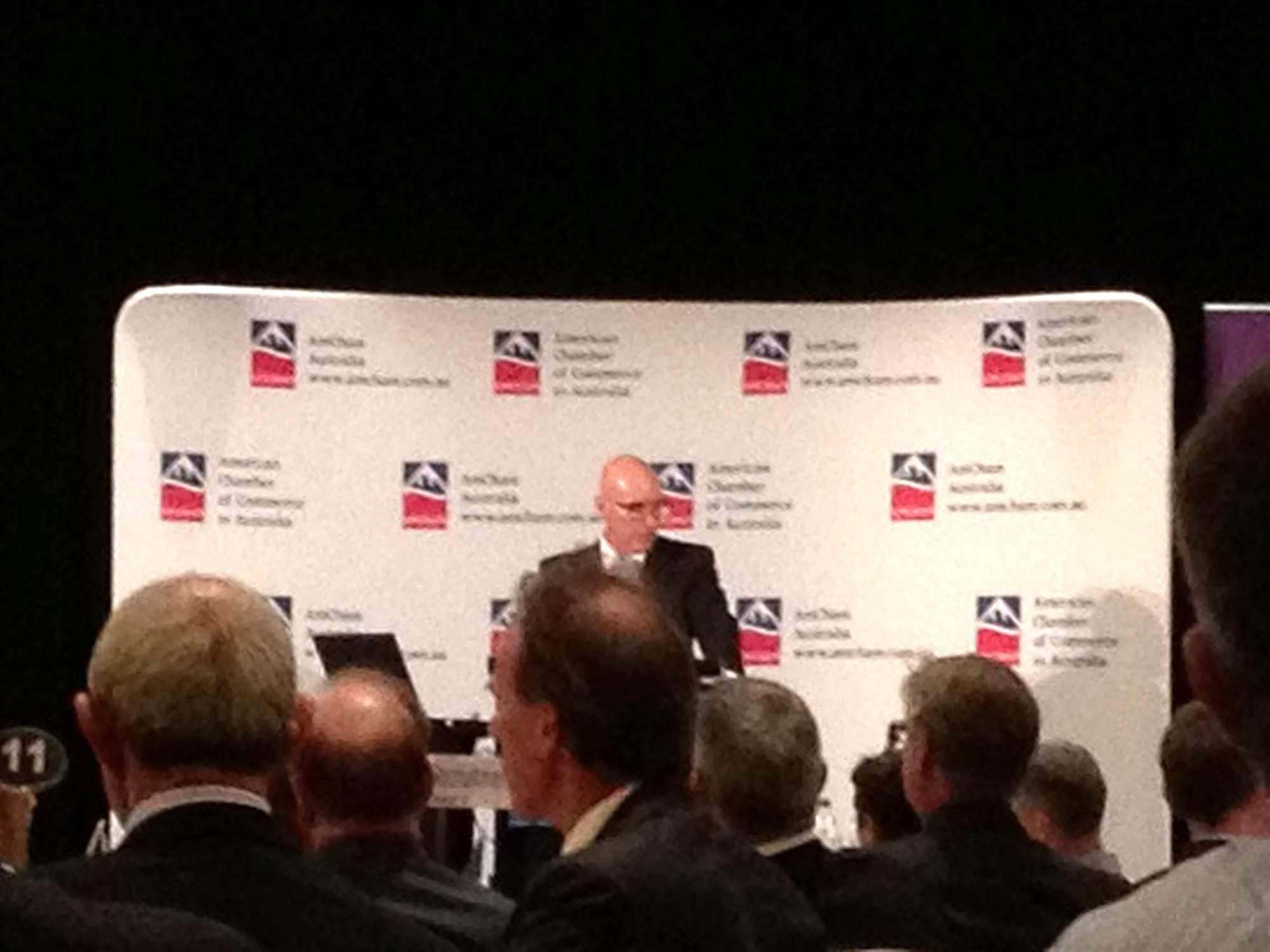 Quigley calls for industry to inform NBN debate