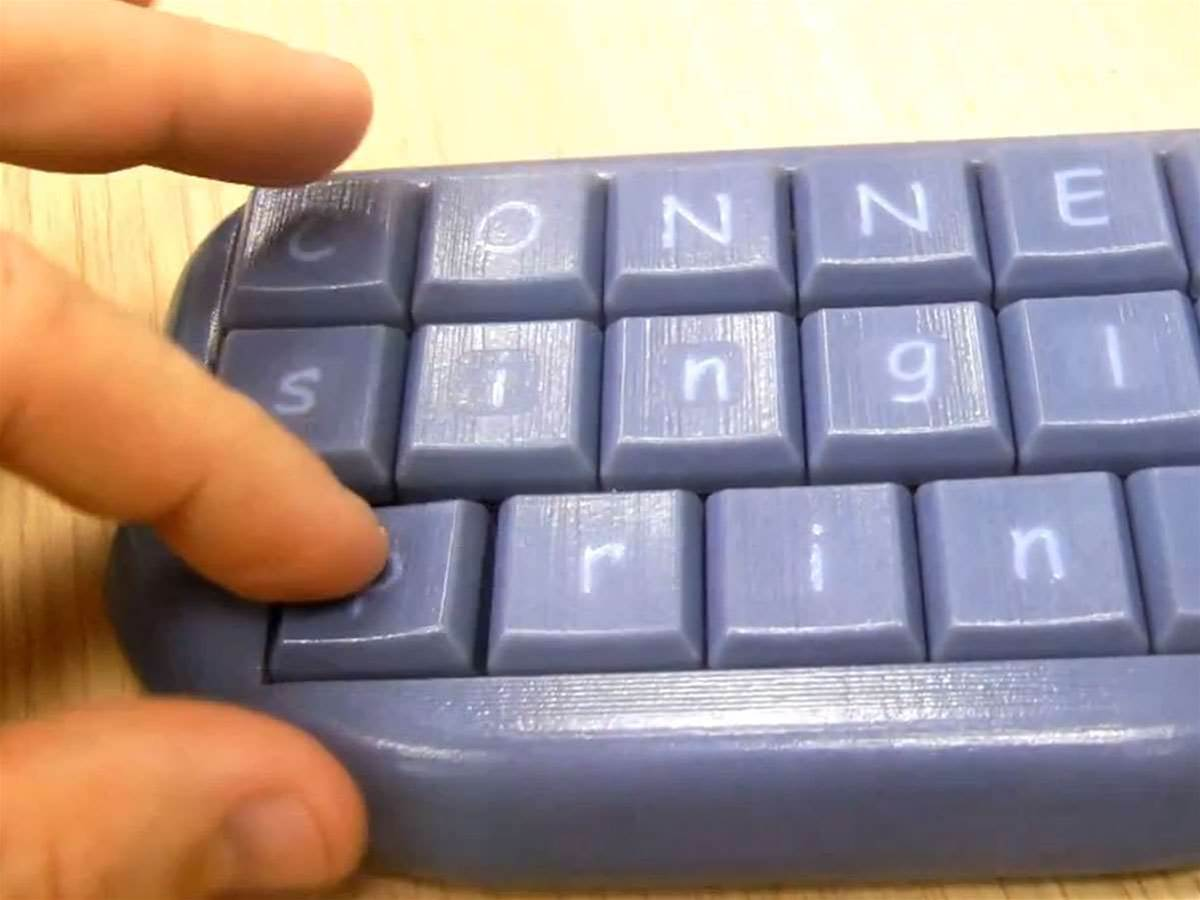 Fully functioning keyboard 3D printed in single session