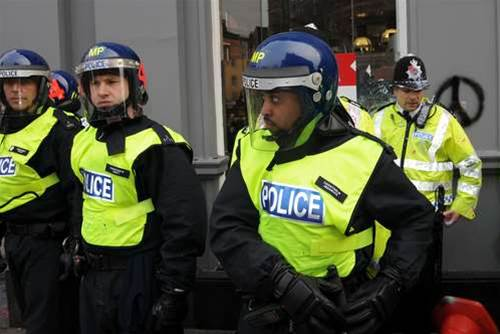 Police tap social media in wake of London attack