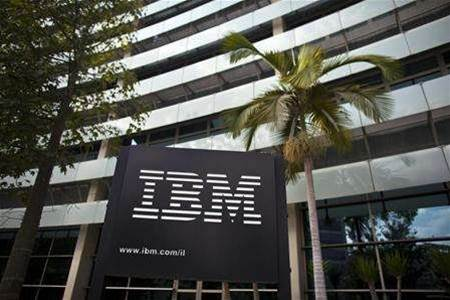 IBM beats estimates, turnaround struggles remain