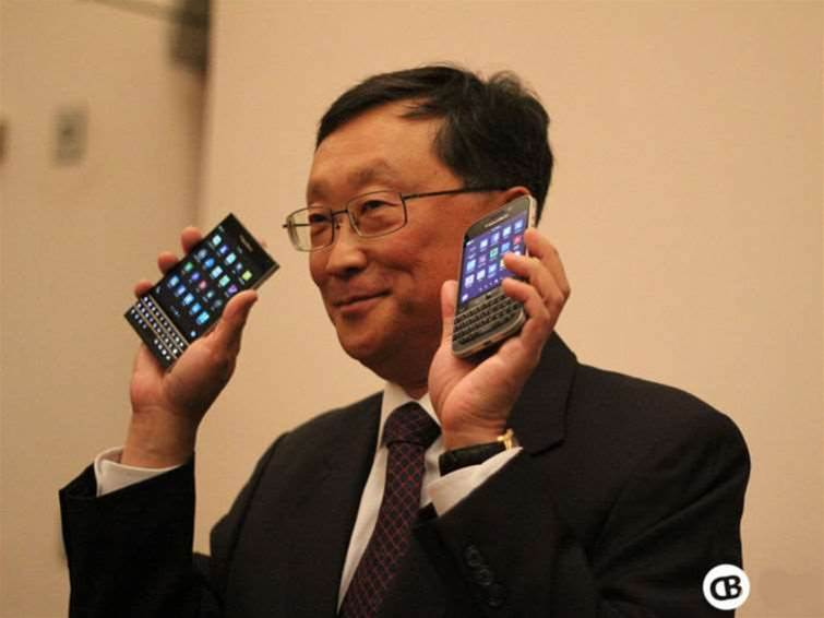 BlackBerry reveals new Passport phablet