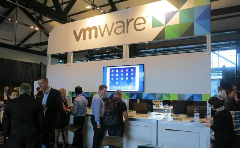 VMware shows up at AWS event, hawking hybrid cloud